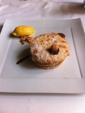Domaine de Bournissac : Macaron aux noisettes, sorbet fruit de la passion
