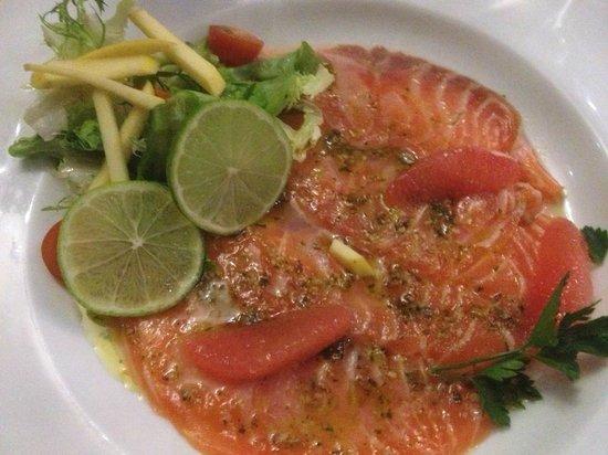 Au Coin de la Rue : carpaccio de saumon