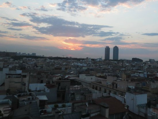 H10 Montcada Boutique Hotel: View of sunrise from our window