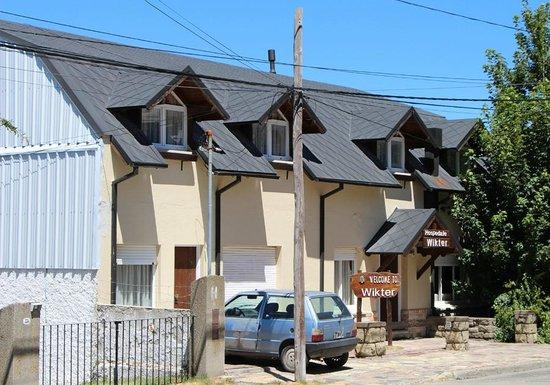 Hospedaje Wikter is located on a quiet street