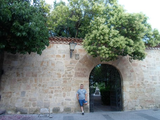 Jardín el Huerto de Calixto y Melibea: Entrada al huerto de Calixto y Melibea