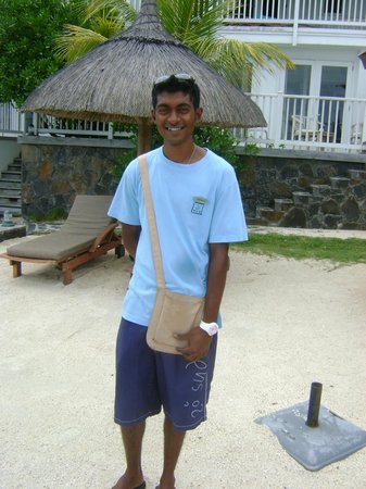 20 Degres Sud Hotel : The BEST waiter you can find !    Shanish