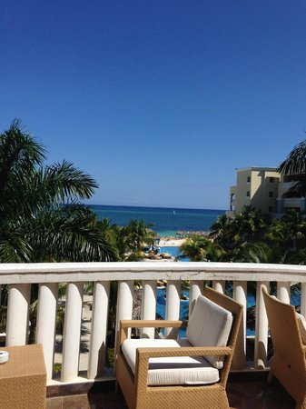Iberostar Grand Hotel Rose Hall: View from Lobby