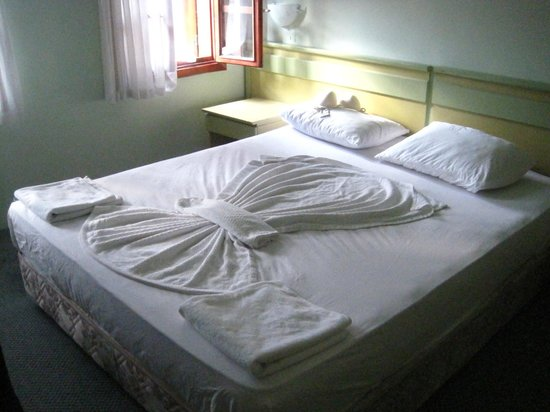 Idyros Hotel: Работа горничной - а у нас хорошее натроение!