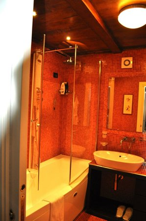 Maison Tofani: Junior Suite Bagno with Jacuzzi Shower