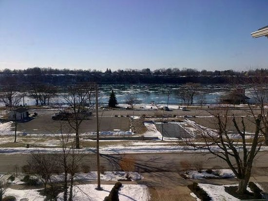 Niagara Crossing Hotel & Spa: From our window