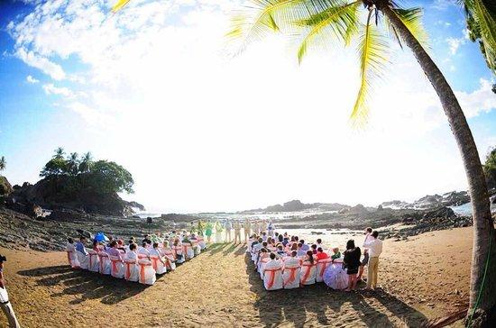 Villas Rio Mar : The beach ceremony