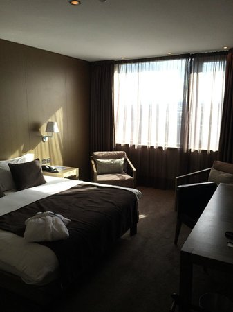 Radisson Blu Royal Hotel, Dublin: Bedroom / 1-bed suite 605