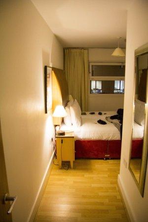 Marlin Apartments - Empire Square : camera da letto