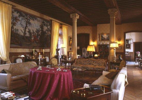 Chateau de la Flocelliere: le Salon du château