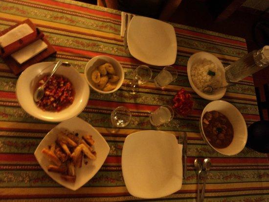 """EcoLodge """"La Bonita"""": Camarónes mit zahlreichen Beilagen! Frisch und super lecker!"""