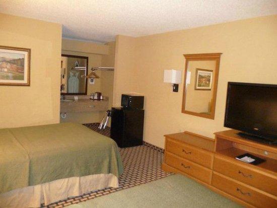 Best Western Bradford Inn : inside of room