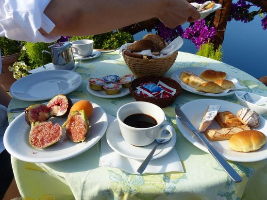 Casa Cuccaro B&B: fantastic breakfast buffet