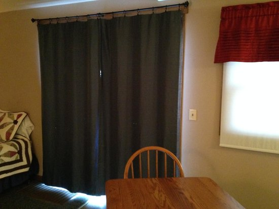 The Inn At Walnut Creek: Drapes not wide enough for privacy at night