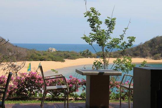 Secrets Huatulco Resort & Spa : view from Castaways restaurant