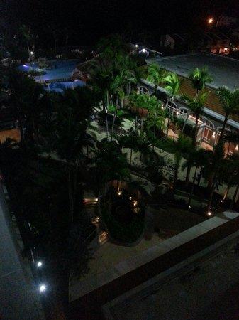 Embassy Suites by Hilton Dorado del Mar Beach Resort : Vista desde el balcon de la habitación