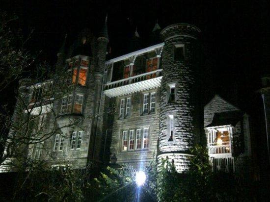 Chateau Rhianfa: Outside at night