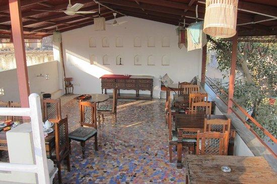 V Resorts Paawana Haveli Mandawa : Terrasse