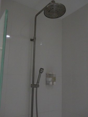 Sino Imperial Phuket : Shower