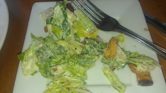 Scargo Cafe : Caesar salad (with fake Bacon Bits ... ugh)
