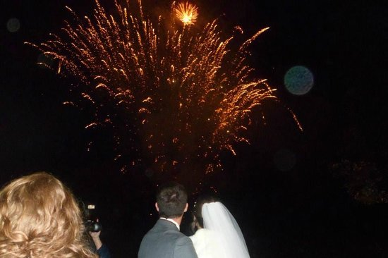 Rowton Hall Hotel: The fab fireworks at Rowton!