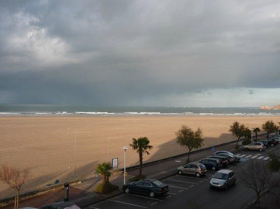 Hotel Serge Blanco & Thalassotherapy Center : Vue surla plage