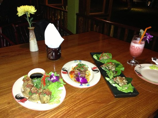 The River Market: A few small appetizer type dishes (dumplings, ahi tuna, lettuce cups)
