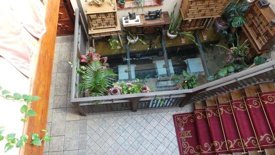 Hostal Casa de Cisneros: лестница
