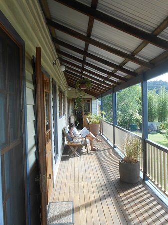 Gridley Homestead B&B: Verandah