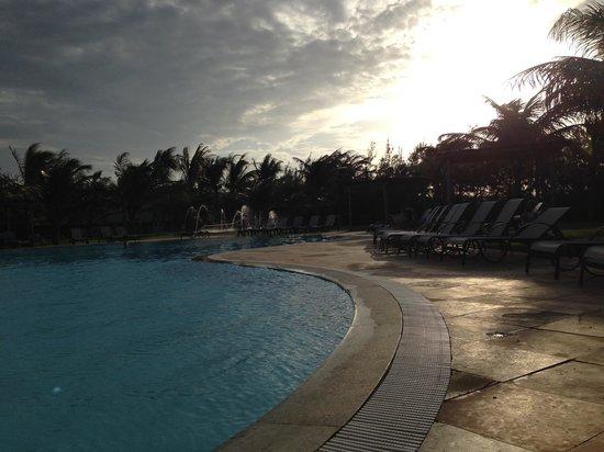 Dom Pedro Laguna: A piscina ao fim da tarde