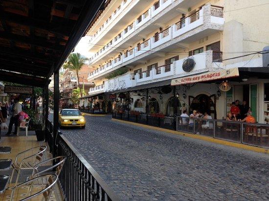 Playa Los Arcos Hotel Beach Resort & Spa: Outdoor look at Hotel
