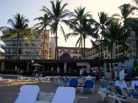 Playa Los Arcos Hotel Beach Resort & Spa: Hotel view from the beach