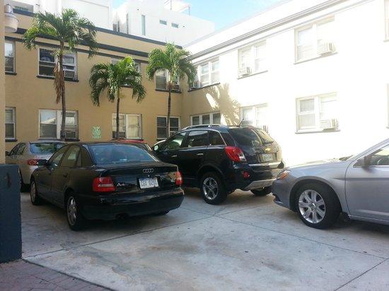 AAE Miami Beach Lombardy Hotel: el estacionamiento