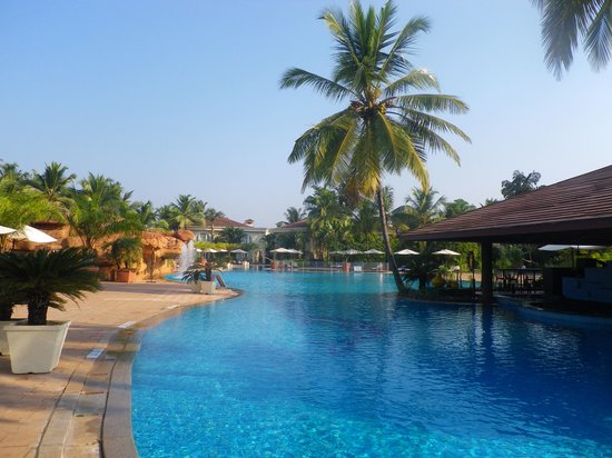 The Zuri White Sands Goa Resort & Casino: Poolanlage