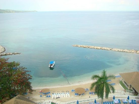 Sunscape Splash Montego Bay : View of the beach from Tower B 10th floor balcony