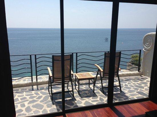 Jamahkiri Resort & Spa: Incredible view from the balcony