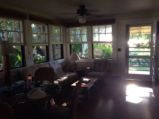 Waimea Plantation Cottages : #57 living room with lots of windows, large patio facing the sunset