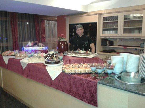 Buffet Di Dolci Di Natale : Buffet di compleanno per adulti le ricette dolci e salate per