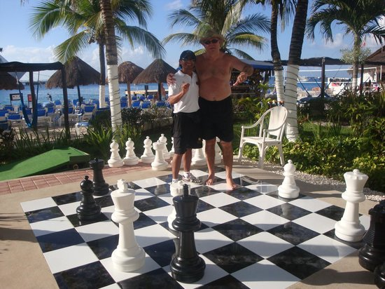 El Cid La Ceiba Beach Hotel: Game on Casper