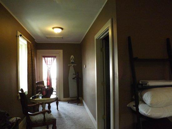 The Woodruff Hotel: Hotel Room