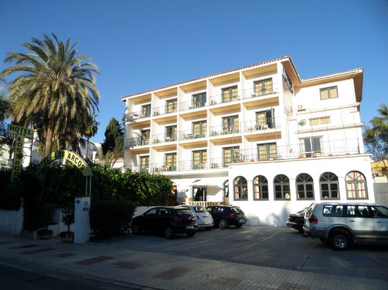 Arcos de Montemar: Vue de l'avant de l'hôtel