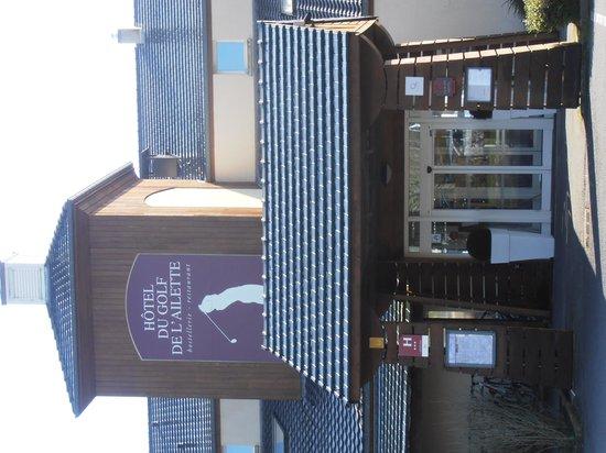 Hôtel du Golf de l'Ailette : Entrée Hotel