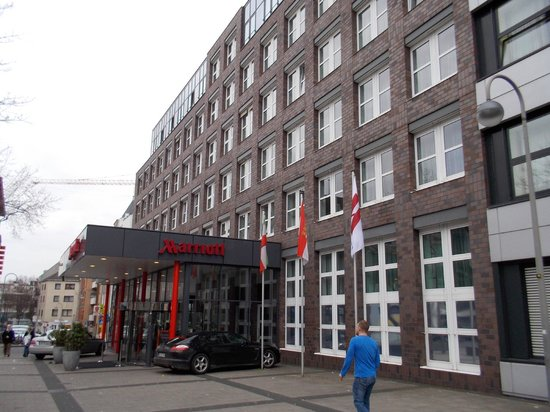 Cologne Marriott Hotel : Aussen
