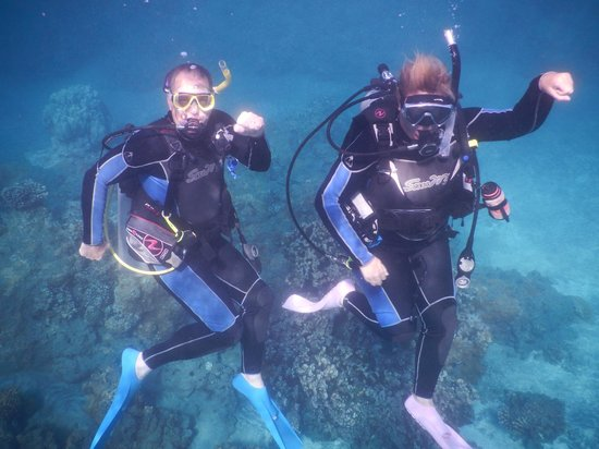 Maui Dreams Dive Co. : Jeff and Rachel Domingo, our instructor