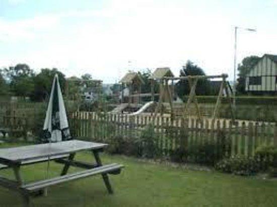 Guilsfield, UK: Great childrens area and beer garden