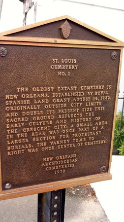 Historic New Orleans Tours : Cemetery