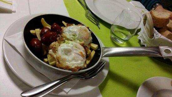 A Taberna da Feira: Tixola de huevos y chorizo