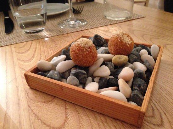 Ristorante Abocar Due Cucine: Polpettine con interno di pecorino e cipolla caramellata
