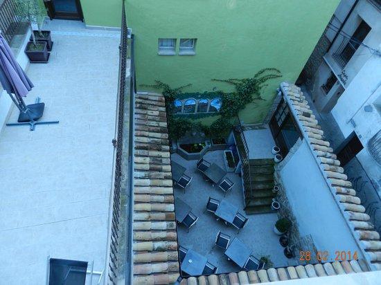 Hotel Palacio del Obispo: patio