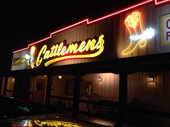 Cattlemen S Neon Sign Welcomes You To Steak Restaurant In Dixon Ca